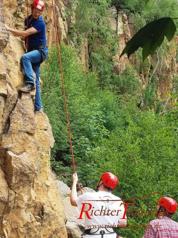 Klettern und abseilen teamevents